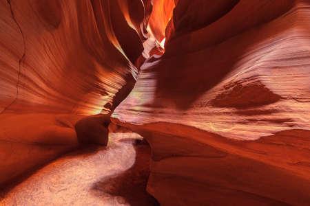 Photo prise à l'intérieur inspirant Antelope Canyon Banque d'images