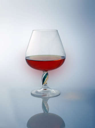 reflexion: c�liz con brandy, reflexi�n  Foto de archivo