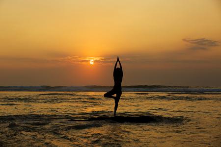 yoga sunset: yoga