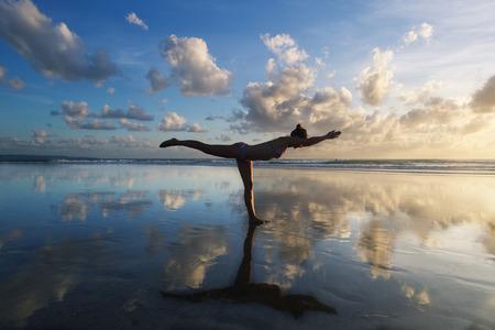 yoga Фото со стока - 46175627