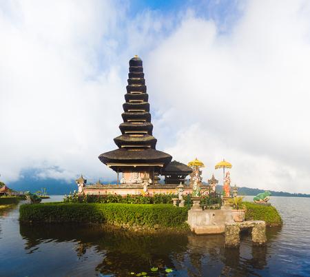 bratan: Pura Ulun Danu temple on a lake Beratan (Bratan). Bali