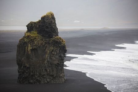 Black and white style photo of black sand beach in Vik, Iceland Stock fotó