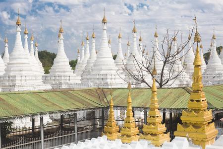 Sanda Muni pagoda detail in Mandalay, Myanmar Фото со стока
