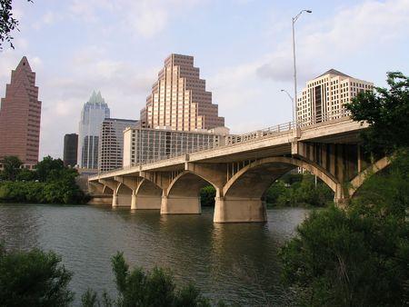 austin: Congress Street Bridge in der Innenstadt von Austin, Texas  Lizenzfreie Bilder