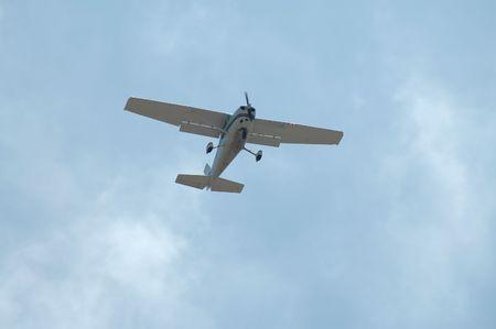 Light plane overhead Imagens