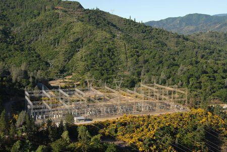 Power distribution station, Shasta Dam, Shasta Lake, California Reklamní fotografie