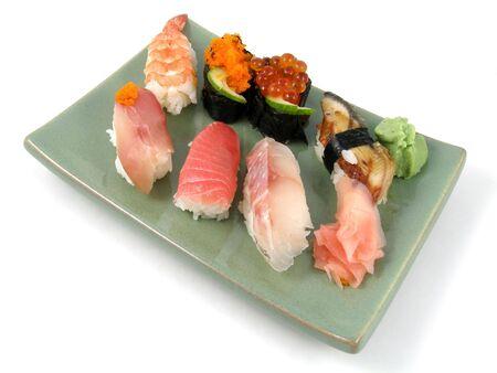 Een plaat van nigiri sushi