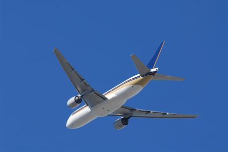 Jet aircraft flying overhead Stock Photo - 628941