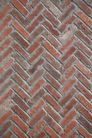 chimney corner: Chimenea de ladrillos en un patr�n de zig-zag