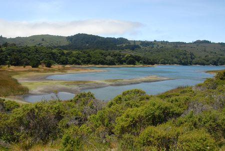 resortes: Crystal Springs Reservoir, San Mateo, California Foto de archivo