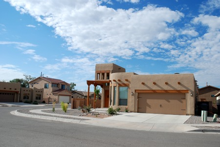boxy: Mock adobe Southwestern home, Bernalillo, New Mexico Stock Photo