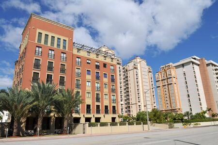 コーラルゲーブルズ、フロリダ州の高層マンション