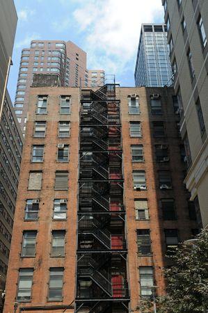 ファイア ・ エスケープ、ニューヨーク、ニューヨークのアパートの建物 写真素材