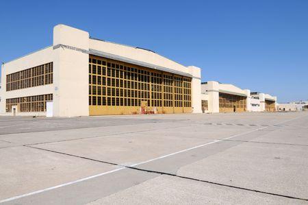 disused: Hangares de aviones en desuso, Alameda, California