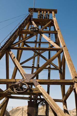 hijsen: Houten takel toren uit een zilveren mijne, Tonopah, Nevada
