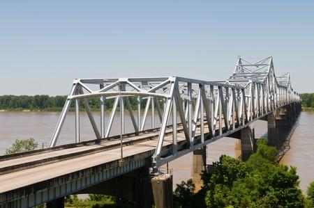 mississippi river: Cantilever bridge over the Mississippi River, Vicksburg, Mississippi