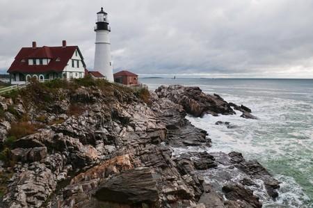 大西洋の海岸岬エリザベス、メインの灯台 写真素材