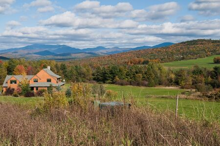 Autumn colors in New England, Williston, Vermont Stock Photo - 8042912