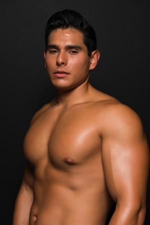 shirtless: Atlético joven desnudo pecho Foto de archivo