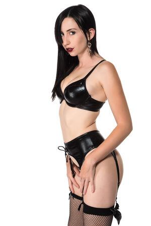 ligueros: Bastante joven Morena vestida de negra de la lencer�a