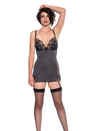 ligueros: Brunette alto hermoso vestido en ropa interior gris