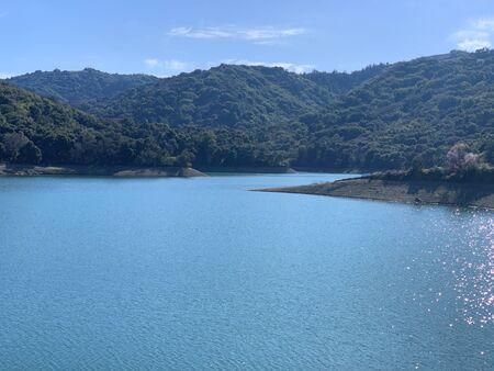 Stevens Creek Reservoir, Stevens Creek County Park, Cupertino, California 免版税图像