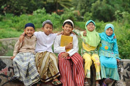 indonesisch: Groep van Moslim Kids
