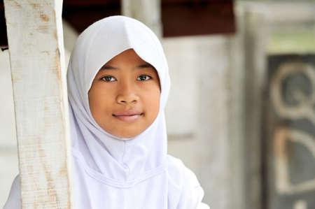 petite fille musulmane: Adolescente musulmane