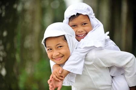 petite fille musulmane: Happy Children Banque d'images