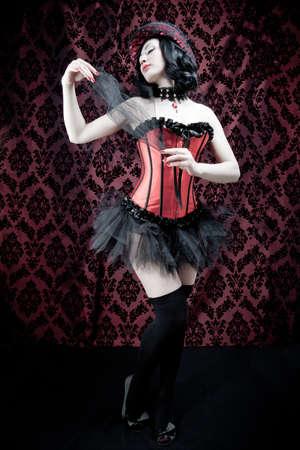 fetish wear: A burlesque dancer