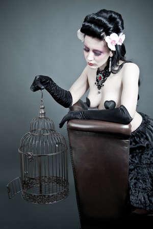fetysz: Gothic Kobieta z pustym BIRDCAGE