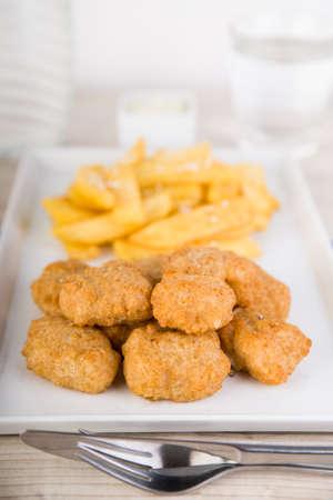Nuggets met frietjes