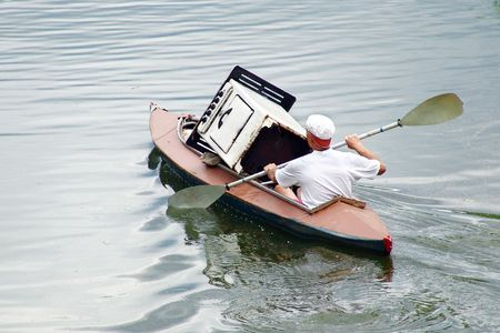 bard: Funny canoe. Grushinskiy festival, Samara, Russia.