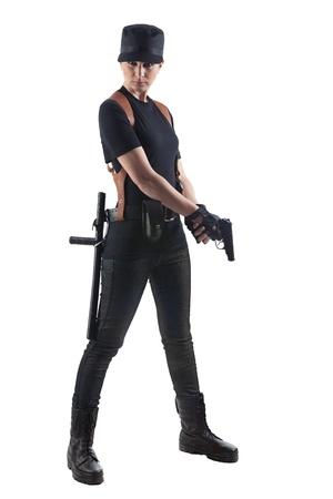 gorra polic�a: Funcionario mujer con pistola aislado en blanco Foto de archivo