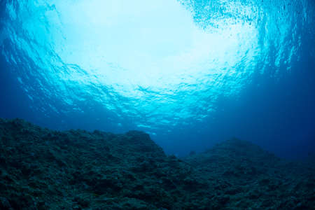 Adventure diving 版權商用圖片 - 70704322