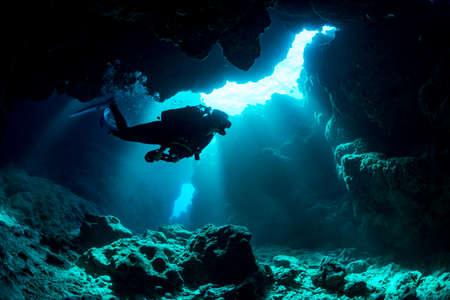 Grotte sous-marine à Miyakojima