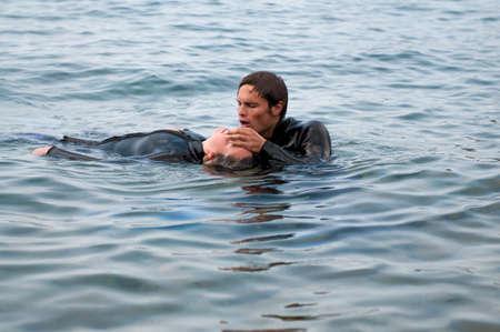 dive: Diver dar RCP a una v�ctima de buceo