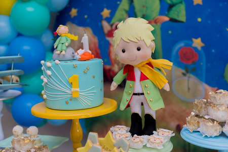Birthday party decoration detail. Party with the theme of the little prince. Selective focus. Imagens