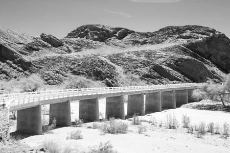 Dry Bridge