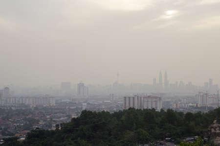 Kuala Lumpur on haze Фото со стока - 34601546