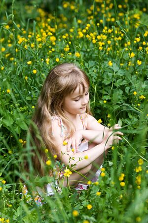 people in nature: Little girl in outdoor settings