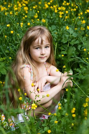 young girls nature: Little girl in outdoor settings