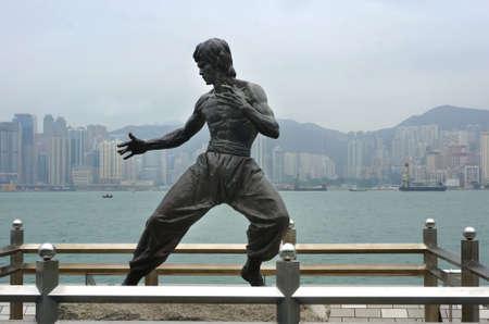 La estatua es una de las principales atracciones en el famoso paseo marítimo. Foto de archivo - 76837673
