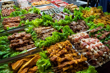 SAPA, VIETNAM: Barbecue meat - The several animal meat ingredient of famous Vietnamese food the barbecue resturant in Sapa district Vietnam Stockfoto