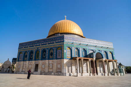 JERUSALEM, ISRAEL. 24 October 2018: Dome of the Rock. Dome of the Rock is a Muslim mosque which has been refurbished many times since its initial completion in 691 AD. 에디토리얼