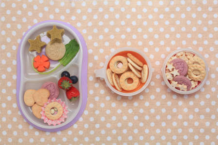 collocation: Biscuits in the plate Editorial