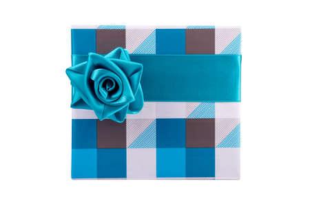 青灰色のギフト ボックスにリボンは白地にバラのように縛ら