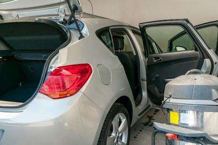 manos limpias: Interior y limpieza exterior del coche