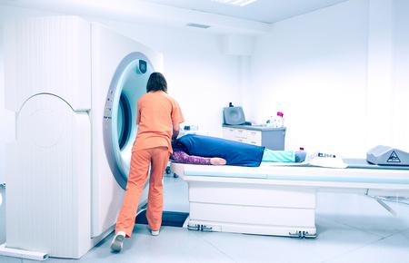 La resonancia magnética (MRI)