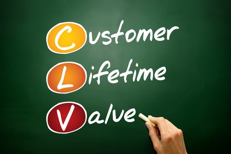 site web: Customer Lifetime Value (CLV), business concept acronym on blackboard